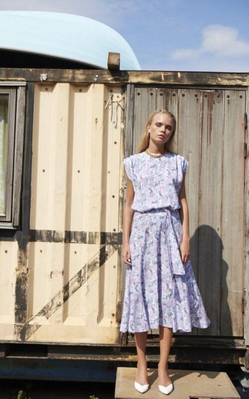 Her ses Astrid i en skøn kjole fra Numph NIELSENs